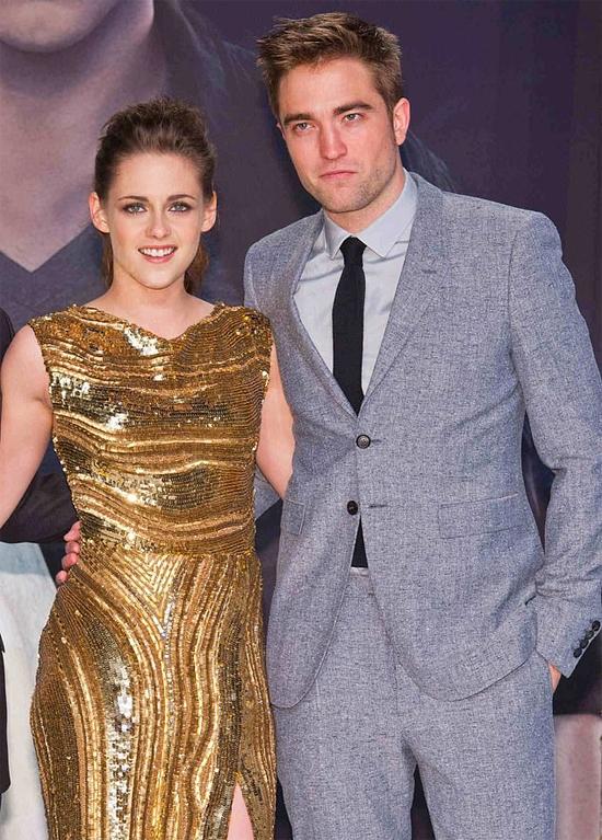 Cô từng có mối tình nổi tiếng với Robert Pattinson.