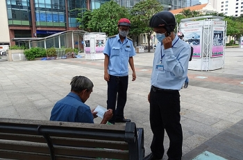TP HCM yêu cầu người dân tiếp tục đeo khẩu trang