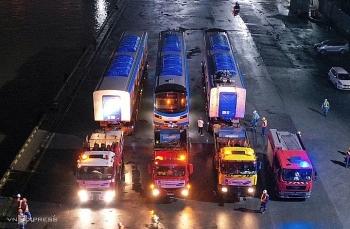 Xe siêu trường chở Metro Số 1 về depot