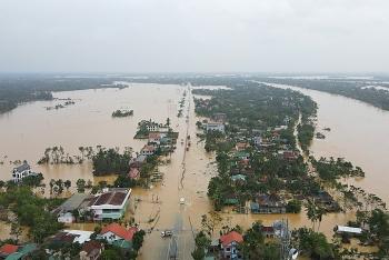 Quốc lộ 1A, đường sắt qua Thừa Thiên Huế ngập sâu