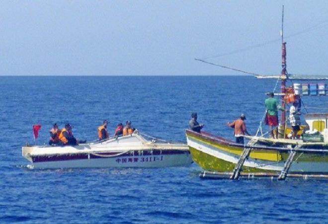 Philippines điều dân quân biển đối phó Trung Quốc
