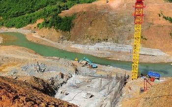 Lũ miền Trung: Vẫn nguyên nỗi lo phá rừng làm thủy điện