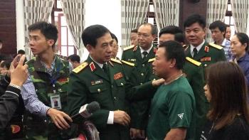 Vợ của ba liệt sĩ được nhận vào quân đội