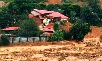 Lũ ở Quảng Trị vượt lịch sử, kích hoạt cảnh báo rủi ro thiên tai cấp 4
