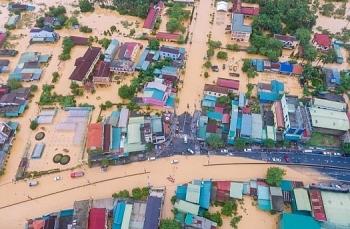 Cận cảnh Quảng Trị chìm trong lũ lụt, sạt lở