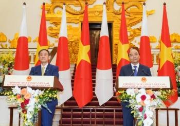 Thủ tướng Suga: Việt Nam thích hợp nhất để gửi thông điệp ra thế giới