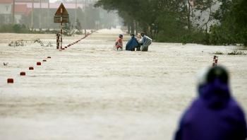 Thời tiết hôm nay 30/10: Bắc Bộ trở lạnh, Trung Bộ mưa rất to