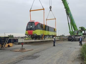 Ảnh: Cận cảnh đoàn tàu đầu tiên tuyến Nhổn - ga Hà Nội tại Depot