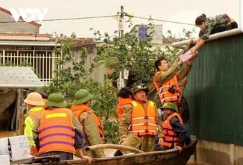 Quảng Bình có 96.500 nhà dân bị ngập, 12 sản phụ sắp sinh được đưa đến bệnh viện an toàn