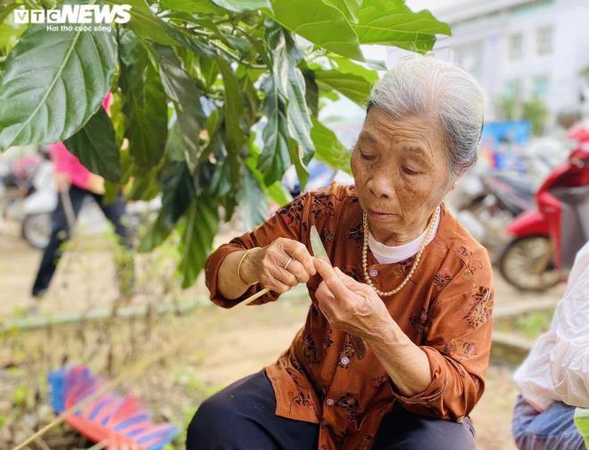 Hàng nghìn 'đòn bánh nghĩa tình' từ Tây Nguyên gửi vùng lũ miền Trung - 2