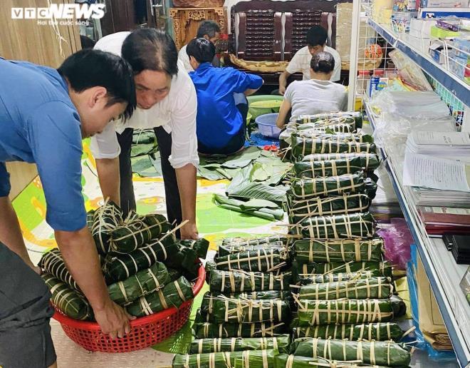 Hàng nghìn 'đòn bánh nghĩa tình' từ Tây Nguyên gửi vùng lũ miền Trung - 5