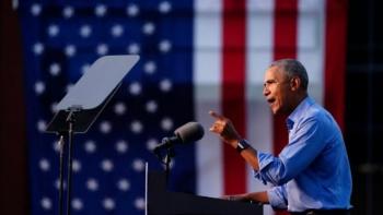 Obama lấp đầy khoảng trống tranh cử của Biden, đối đầu kịch liệt với Trump