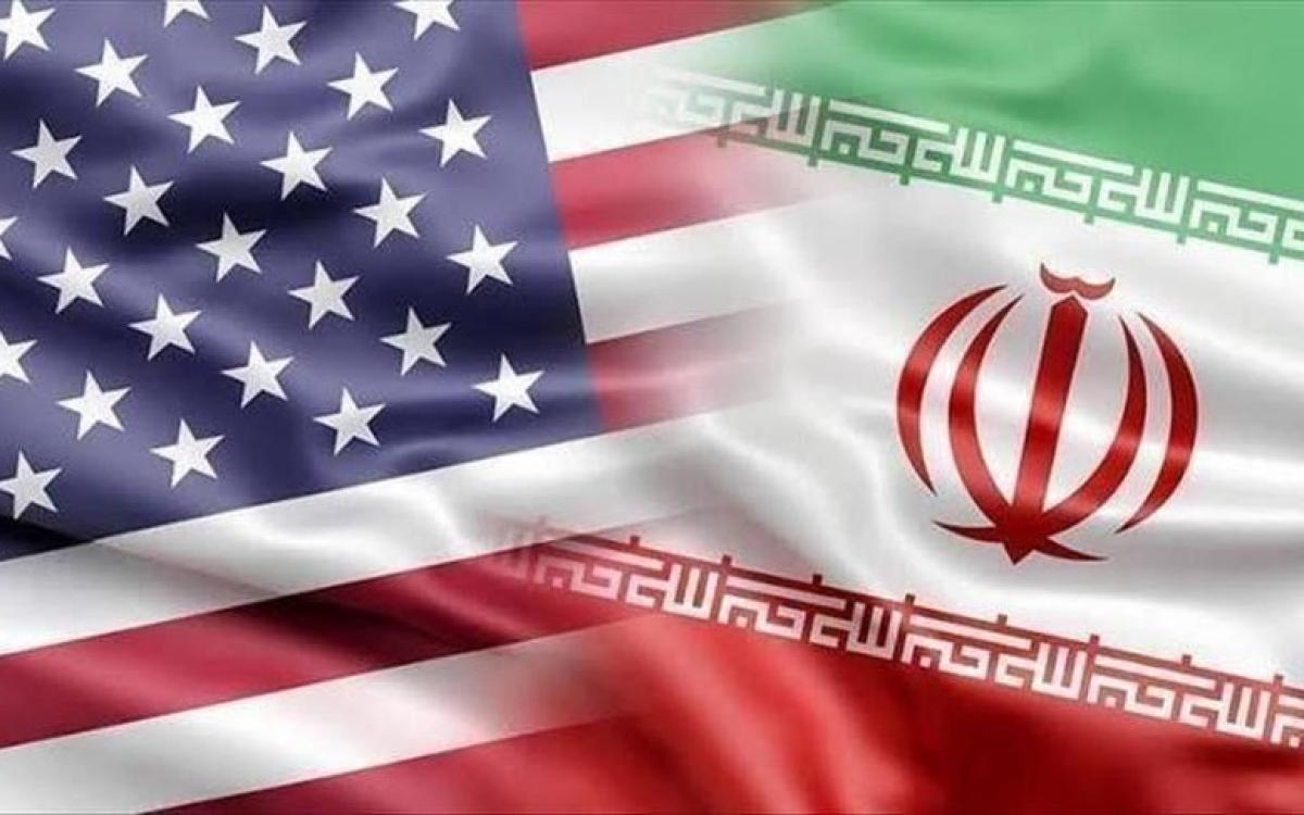 Cờ Mỹ và Iran. Ảnh: Anadolu.