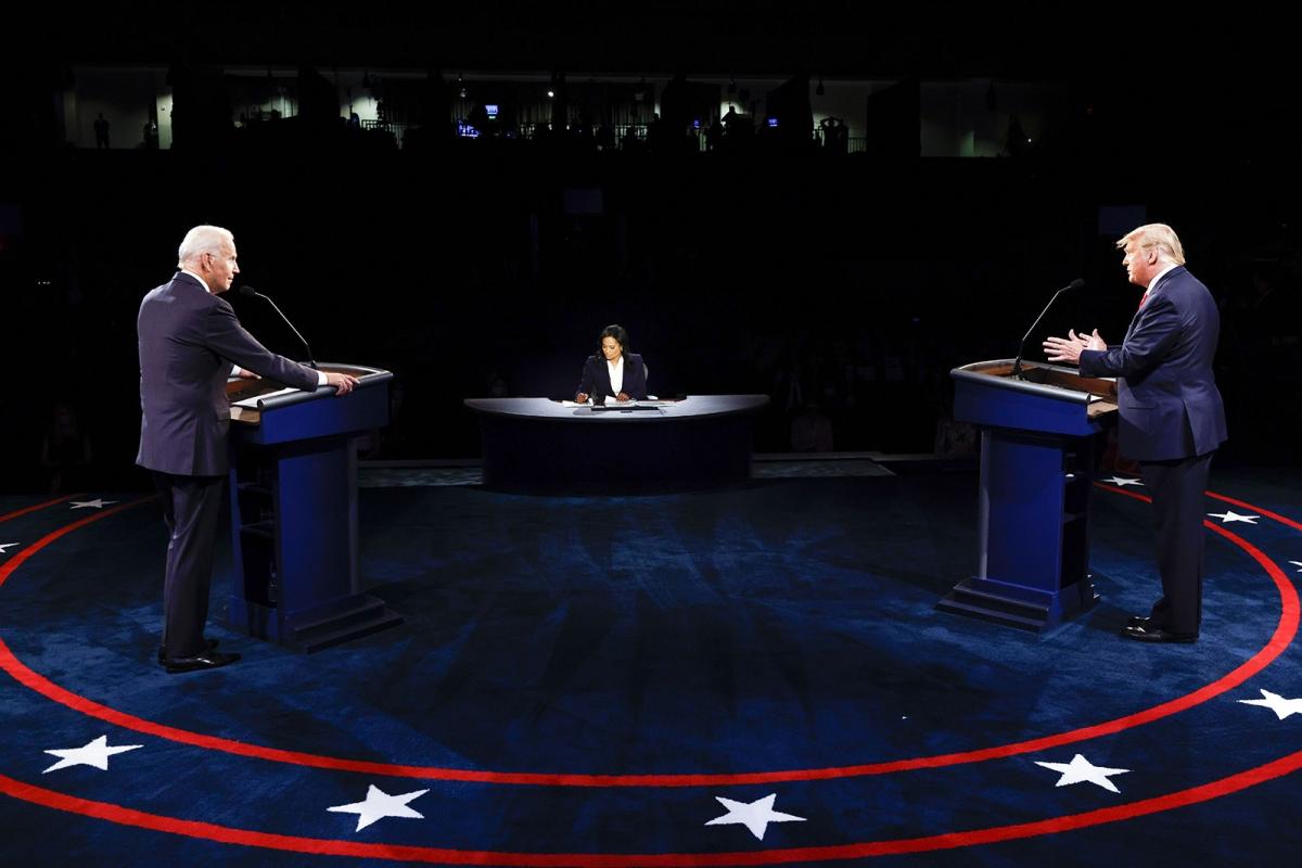 Tổng thống Mỹ Donald Trump và ứng viên đảng Dân chủ Joe Biden trong cuộc tranh luận tổng thống cuối cùng. Ảnh: Getty