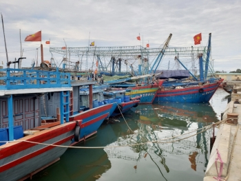 Miền Trung lên phương án sơ tán dân đối phó bão số 9