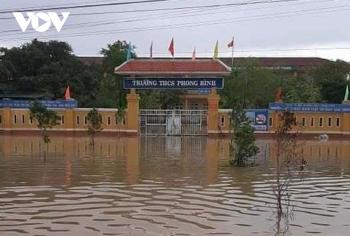 Học sinh Thừa Thiên Huế nghỉ học từ chiều 27/10 để tránh bão số 9