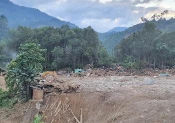 Dùng chó nghiệp vụ, flycam tìm kiếm, phát hiện thi thể trẻ em ở Trà Leng