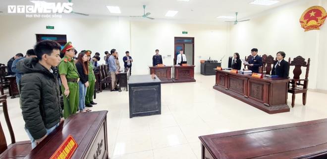 Bị tuyên án 5 năm tù, 'mẹ mìn' bắt cóc bé trai 2 tuổi ở Bắc Ninh khóc nức nở - 1