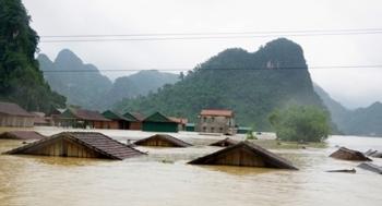 Hoa Kỳ hỗ trợ Việt Nam 2 triệu USD ứng phó bão lũ