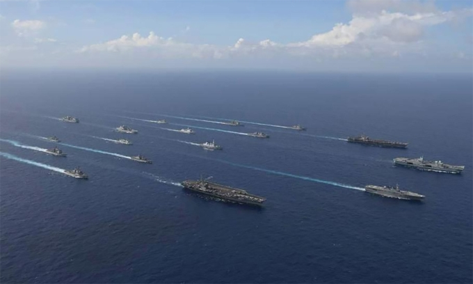 Tàu sân bay Mỹ, Anh tập trận cùng loạt chiến hạm