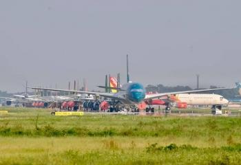 Hà Nội mở lại đường bay đến TP.HCM và Đà Nẵng: Kiến nghị hành khách phải tiêm đủ liều vaccine, cách ly 7 ngày...