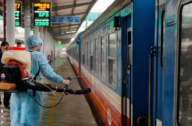 Đường sắt mở bán vé tàu Bắc- Nam, chạy trở lại từ ngày mai, 13-10