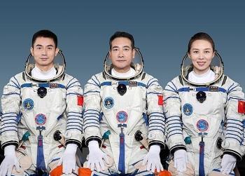 Trung Quốc tiếp tục đưa phi hành gia vào không gian