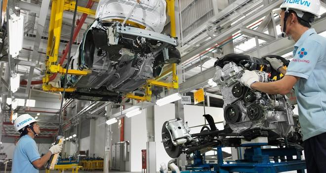 Đề xuất giảm 50% mức thu lệ phí trước bạ ô tô