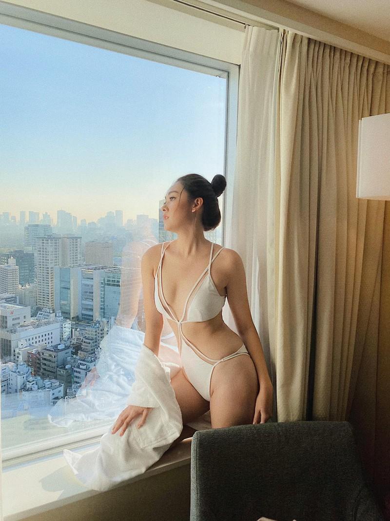 tuong san dien bikini khoe body muot mat tai nhat ban