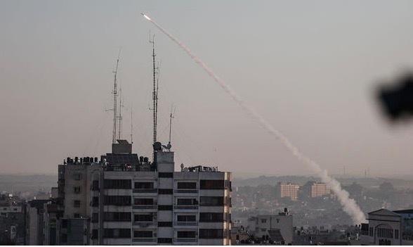 hang tram qua rocket lao toi tap ve israel