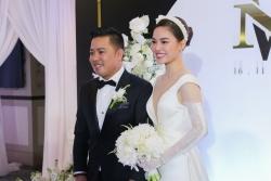 Giang Hồng Ngọc đẹp ngọt ngào trong ngày cưới với chú rể Xuân Văn