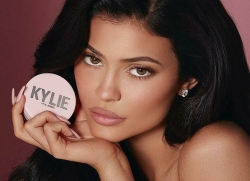 kylie jenner chup sexy chao nam cu