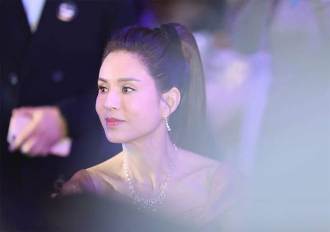 ly nhuoc dong khoe nguc day tuoi 46