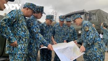 Trực thăng cất cánh chuyển hàng cứu trợ các xã bị cô lập ở Phước Sơn