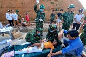 Bác sĩ cứu hộ tuyệt vọng ở vùng lở núi Trà Leng