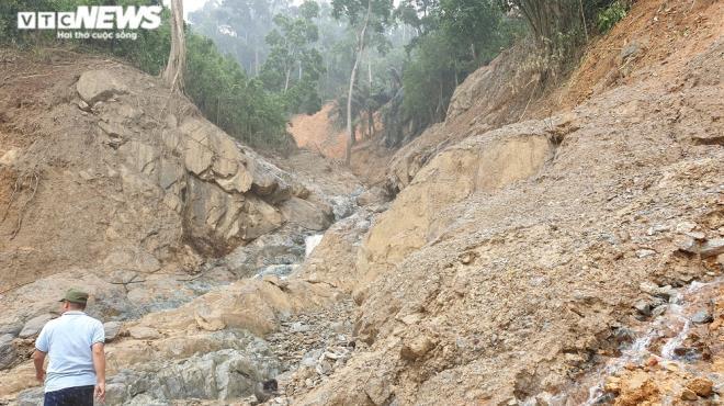 Quảng Nam lại xảy ra sạt lở núi, một phụ nữ thiệt mạng - 1