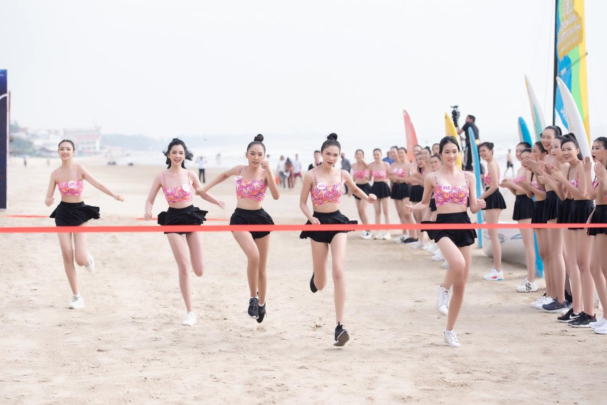 Phần thi Người đẹp Thể thao bao gồm hai phần chính là chạy cự ly ngắn, thể thao sức bền và môn thi tự chọn bơi lội. Bơi không phải là nội dung thi bắt buộc, tuy nhiên người giành chiến thắng sẽ lấy thêm điểm cộng lớn tranh danh hiệu Người đẹp Thể thao.