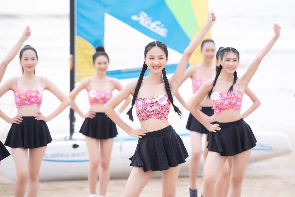 Sau các phần thi gay cấn đậm tinh thần thể thao của Người đẹp Thể thao, các cô gái của HHVN đã chứng minh họ không chỉ có nhan sắc mà còn sở hữu thể lực đáng nể và cực kì khỏe khoắn.