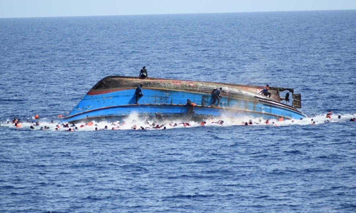 Một con tàu của Libya bị lật. (Ảnh minh họa: KT)