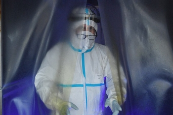 Bốn bác sĩ Nga mắc Covid-19 dù đã được tiêm vắc-xin Sputnik V