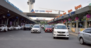 Sau 4 ngày điều chỉnh phân làn, sân bay Tân Sơn Nhất thông thoáng