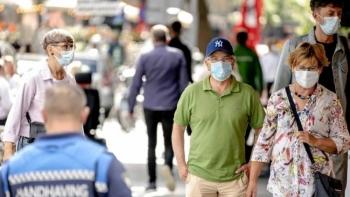 WHO lo ngại làn sóng dịch bệnh thứ 3 tại Châu Âu vào đầu năm 2021