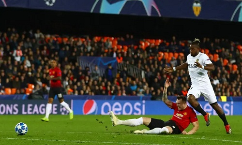 man utd thua valencia an phan nhi bang champions league