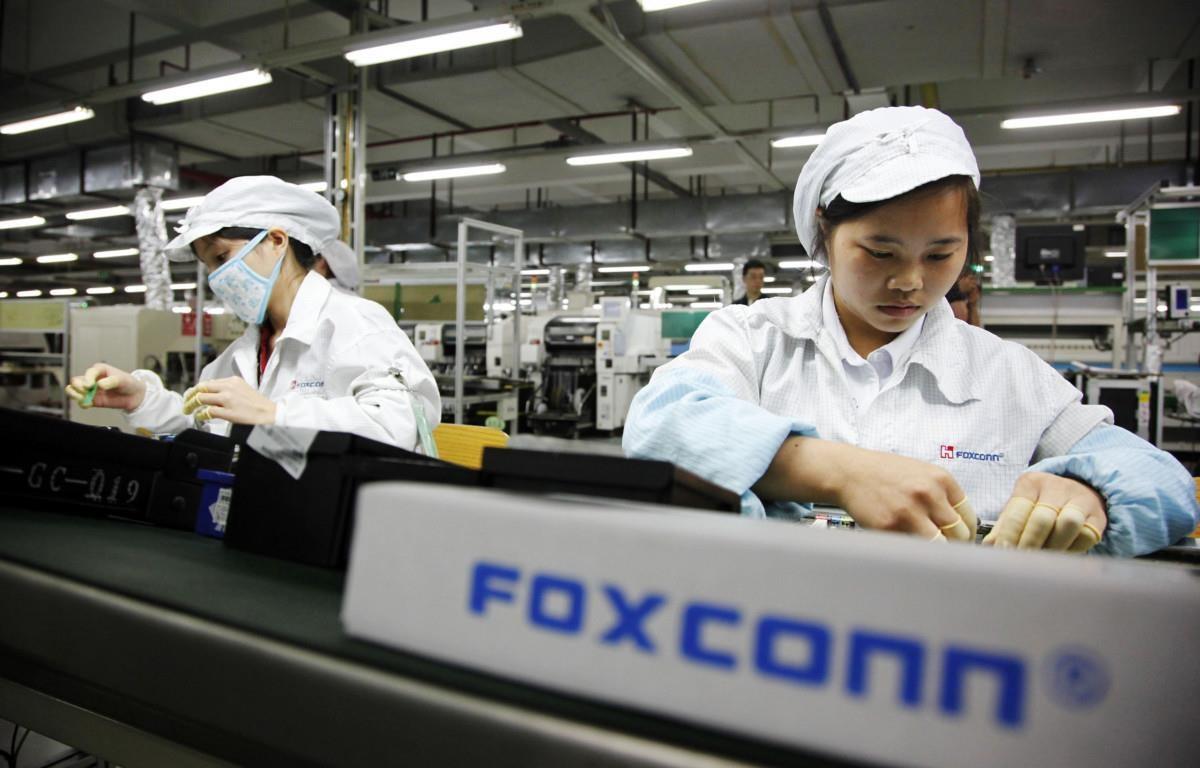cong nhan foxconn an trom linh kien iphone kiem loi toi 43 trieu usd