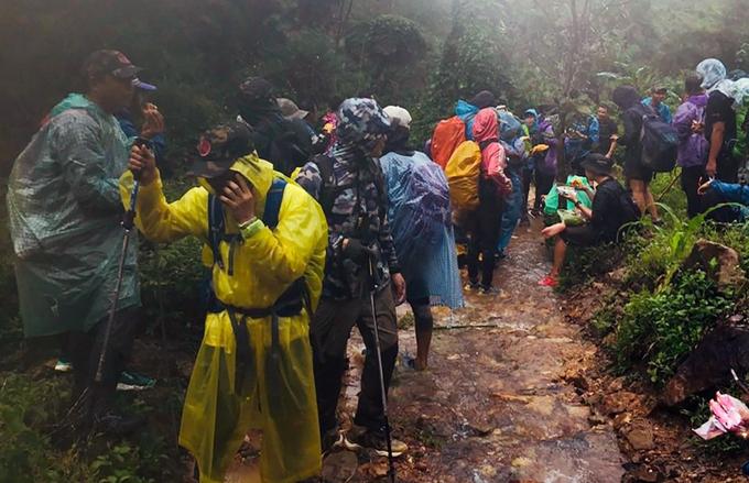 36 du khách đã xuống núi sau hai ngày mắc kẹt