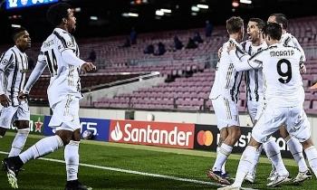 Ronaldo lập cú đúp phạt đền