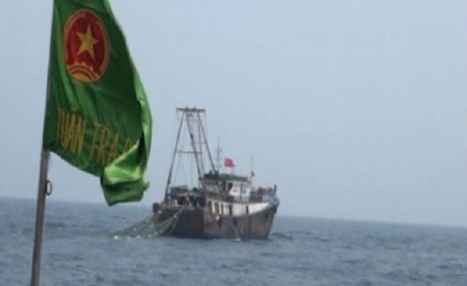 Biên phòng Thái Bình xua đuổi 2 tàu cá Trung Quốc xâm phạm vùng biển Việt Nam