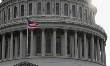 Hạ viện Mỹ vượt quyền phủ quyết dự luật quốc phòng của Trump