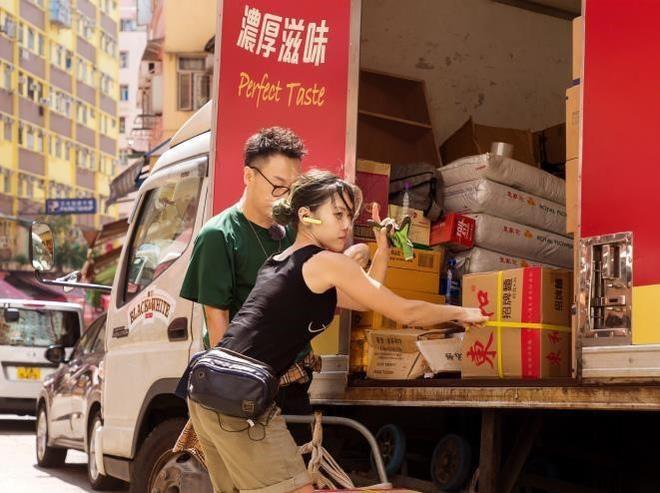 3 hot girl lam tai xe boc vac sexy nghet tho