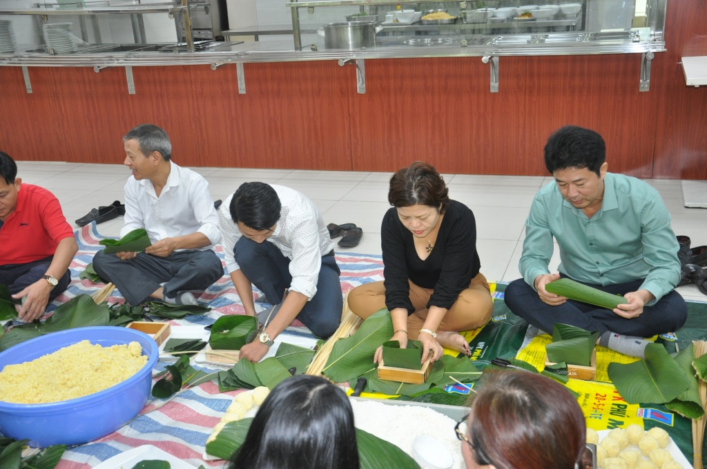 phu my mang van nghia tinh den voi dong bao ngheo